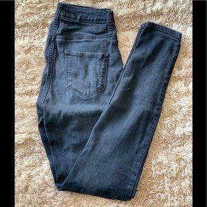 Size 5 Fashion Nova Highrise Skinny jeans